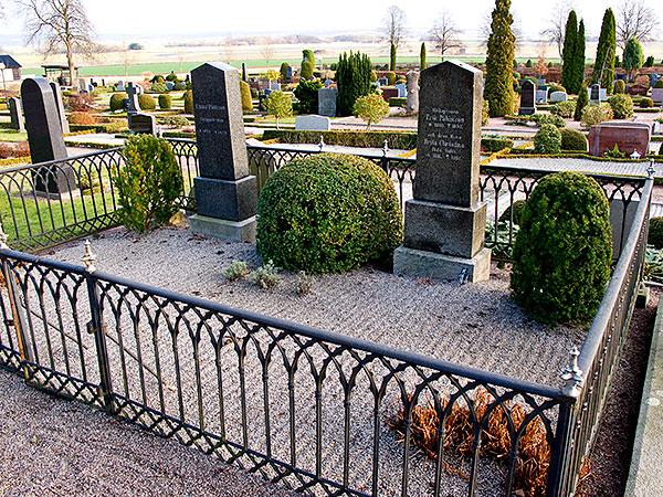 Barkåkra kyrkogård grav Erik Påhlsson