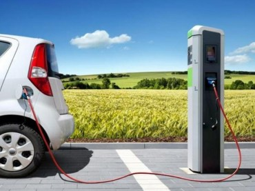 Dal 12 luglio ricarica dei veicoli elettrici tramite tessera prepagata