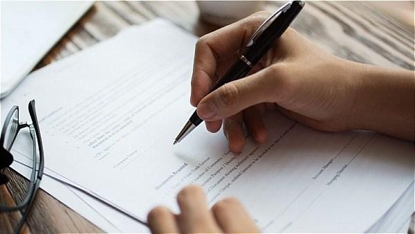 Ada kebaikan menulis wasiat, antaranya melantik pentadbir atau wasi bagi mempercepatkan proses pembahagian harta pusaka.