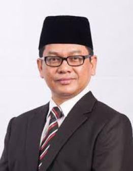 Ketua Hakim Syarie Selangor, Datuk Dr Naim Mokhtar, berkata pertikaian mengenai anak tidak sah taraf perlu dilihat lebih menyeluruh kerana ia membabitkan isu lebih besar, iaitu nasab, harta pusaka, wali dan aurat anak berkenaan.