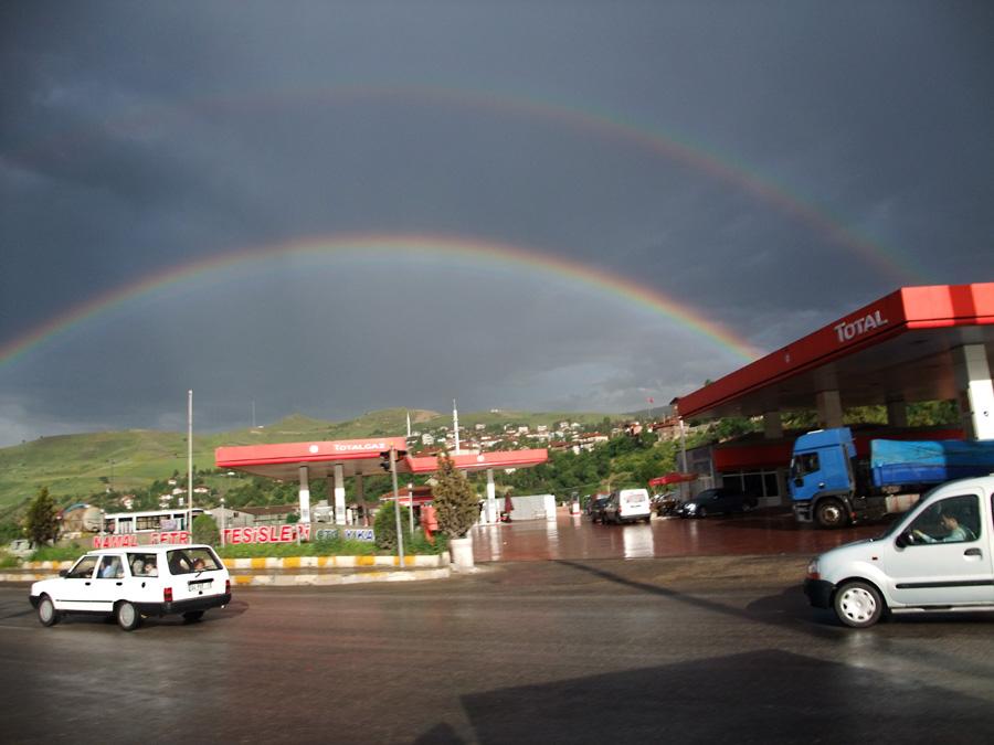 Imposanter Regenbogen über Karabük