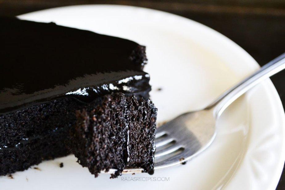 Spiced Dark Chocolate Cake   RaiasRecipes.com