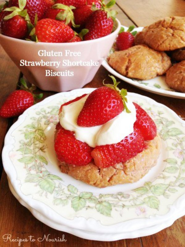 Gluten-Free Strawberry Shortcake | Savoring Saturdays #57 Feature | RaiasRecipes.com