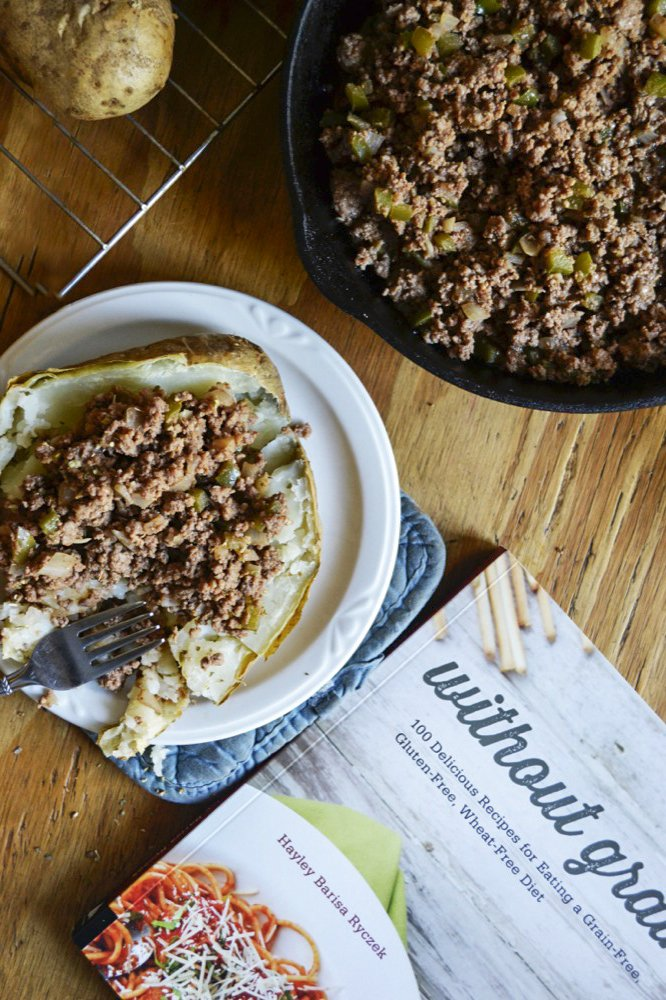 Easy and grain-free, these Sloppy Joe Baked Potatoesare a delicious twist on an American favorite dinner.