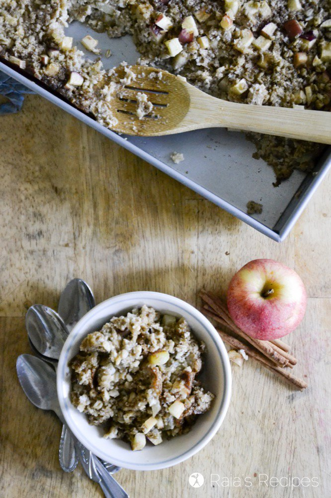 Need an upgrade from regular soaked oats? Try this gluten-free and dairy-free Soaked Maple Apple Baked Oatmeal from RaiasRecipes.com for breakfast!