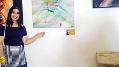 """صورة الفنانة الشابة """"سلمى أوباد"""" ترسم الحب والجمال في لوحاتها .. حاورها عبد المجيد رشيدي"""