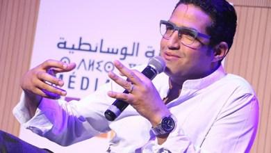 صورة هشام الوالي يحكم مسابقة ملتقى سينما المجتمع ببئر مزوي