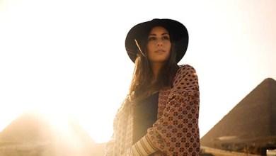 """صورة هبة طوجي تعود للغناء باللهجة المصرية في أغنية """"طلعت يا محلا نورها"""""""