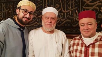 صورة الشيخ علي جمعة وفرقة ابن عربي ينعيان شيخ الصوفية المغربي محمد بن المختار الوزاني