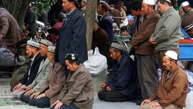 صورة إعتقال عشرة أشخاص بتهمة الصلاة بالصين