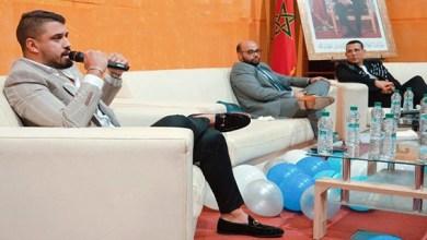 صورة يوسف الفارسي أول مغربي يصدر دروس في التداول المالي باللهجة المغربية