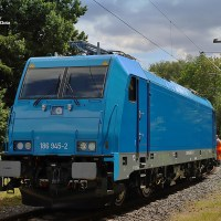 [AT / Expert] The new LTE 186 945 is out + a huge yellow six-axle diesel locomotive...