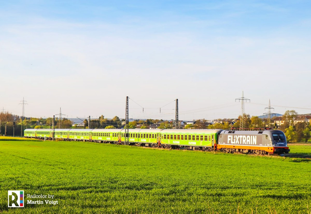 [DE] Locomore is now Flixtrain - Hector Rail 242 517 with Flixtrain logos