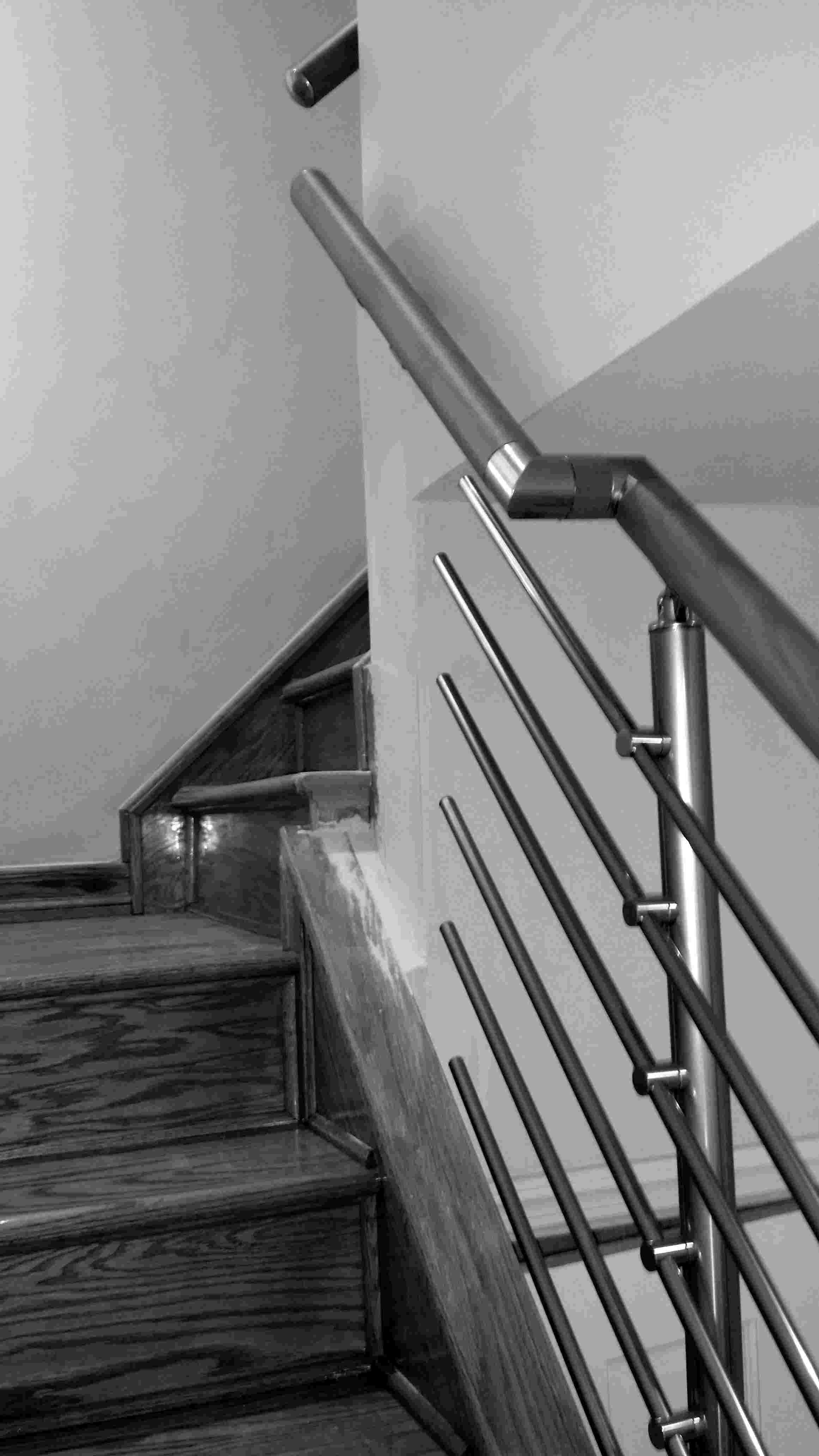 Interior Modern Narrow Staircase Railing System Railingco | Handrail For Narrow Staircase | Exterior | Self Standing Narrow | Free Standing | Victorian | Small Staircase