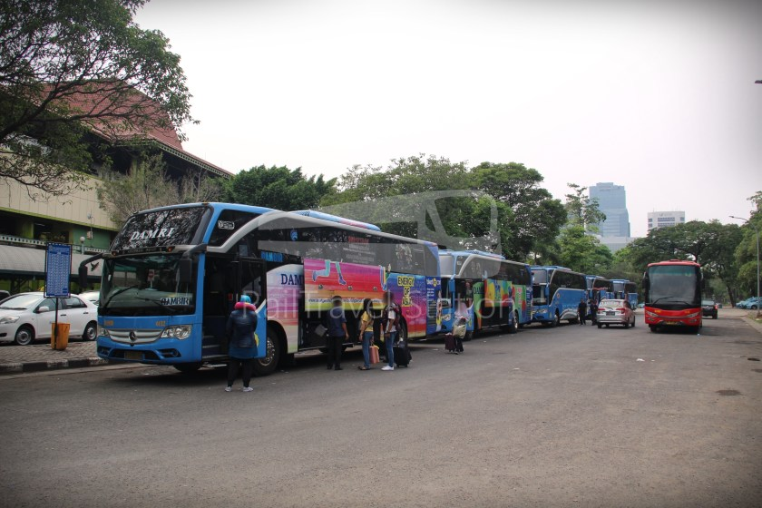 Damri Airport Bus Jakarta Soekarna Hatta Airport Cgk Gambir Station Railtravel Station