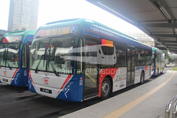 mrt-sbk-line-feeder-bus-t817-01