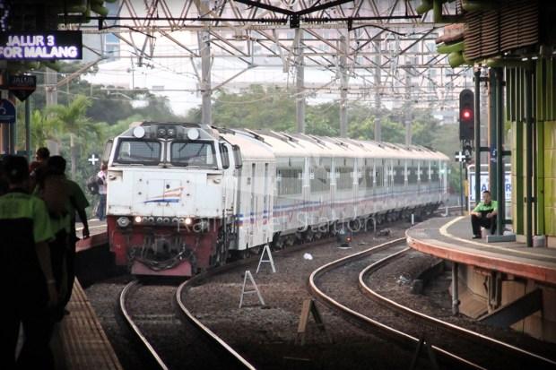 Singapore to Bali Day 3 Gajayana Jakarta Gambir to Malang 17