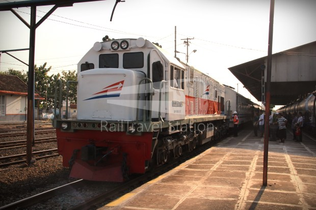 Singapore to Bali Day 5 Rapih Dhoho Kertosono to Surabaya Gubeng 06