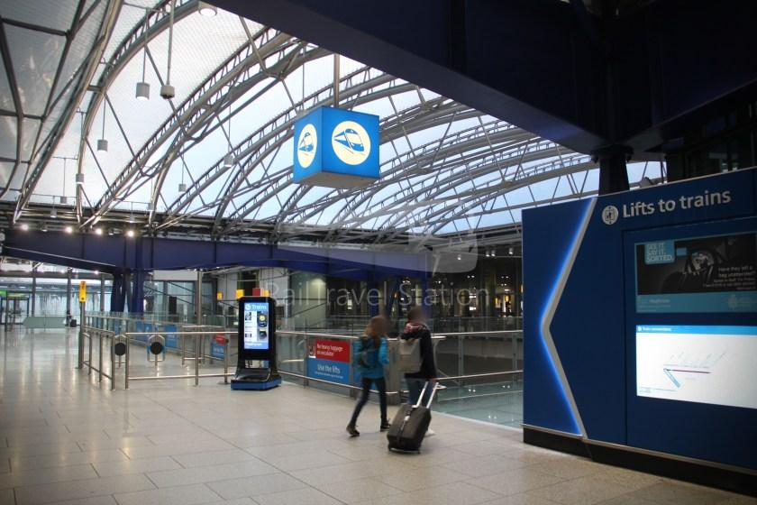 Heathrow Express TfL Rail Terminal 5 Terminal 4 002