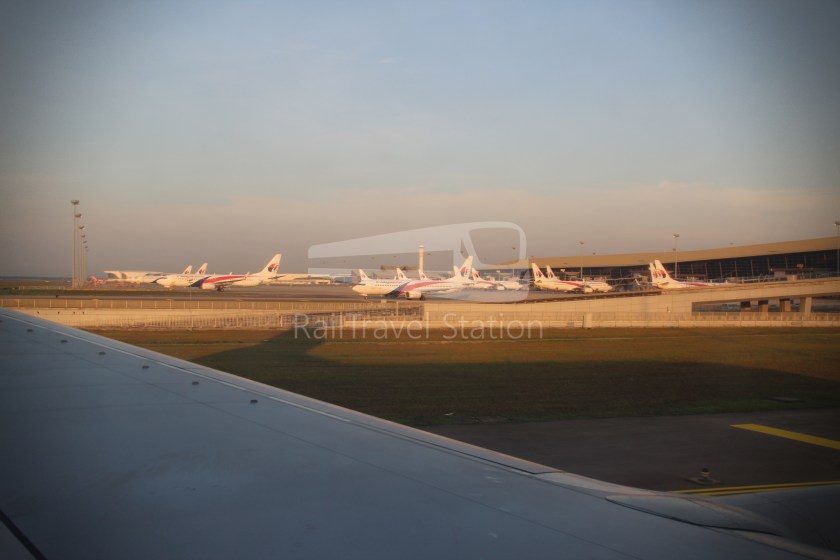 Malaysia Airlines MH602 SIN KUL for LHR 081