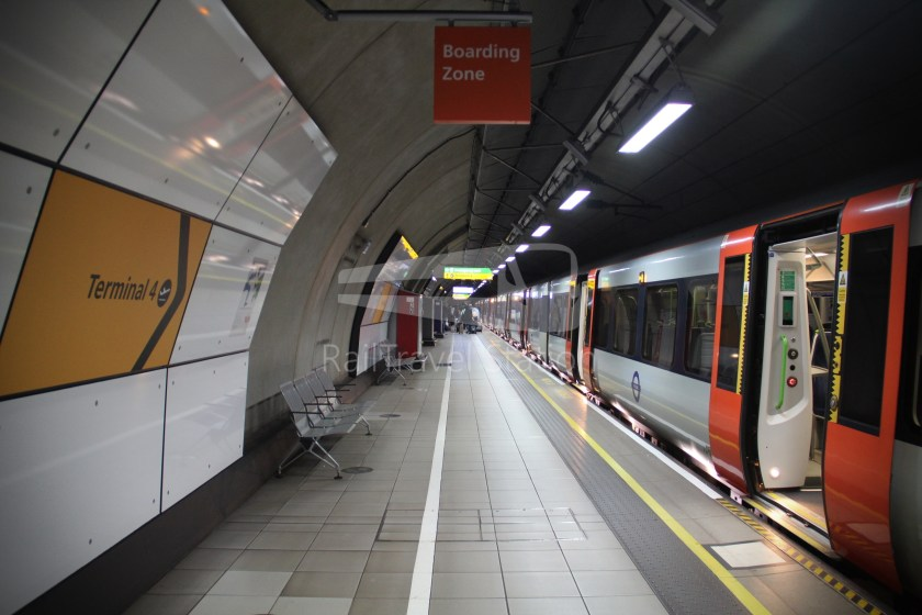 TfL Rail GWR Heathrow Terminal 4 Oxford 002
