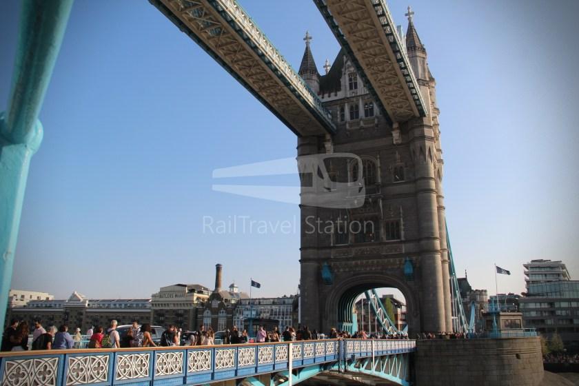 15H (Heritage) Charing Cross Trafalgar Square Tower of London 072