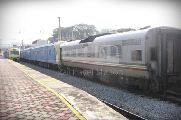 82 Class Hybrid Train 01