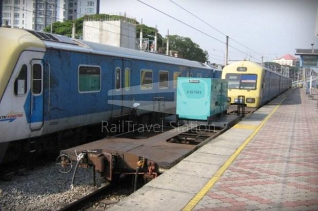 82 Class Hybrid Train 02