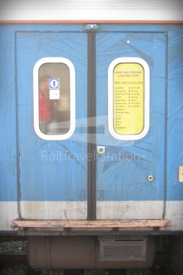 82 Class Hybrid Train 05