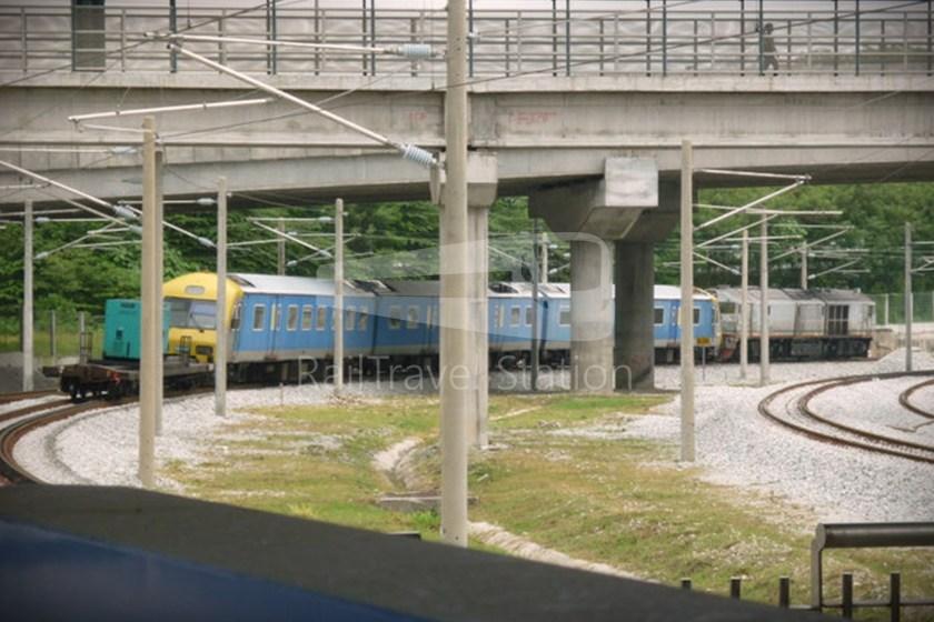82 Class Hybrid Train 09