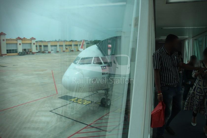 AirAsia AK6436 KUL KBR 052