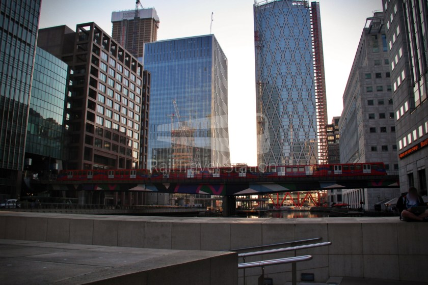 DLR Rail Replacement Bus Service A Tower Gateway Canary Wharf 052
