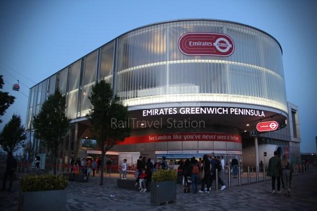 Emirates Air Line Emirates Greenwich Peninsula Emirates Royal Docks Sunset 004