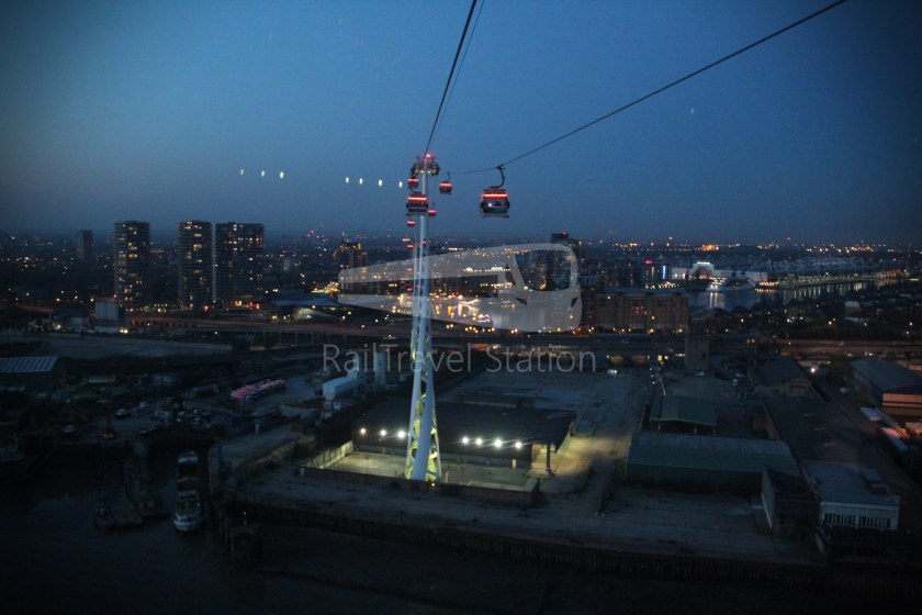 Emirates Air Line Emirates Greenwich Peninsula Emirates Royal Docks Sunset 028