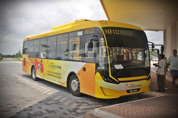 MOP Mitsui Outlet Park Shuttle Bus 02