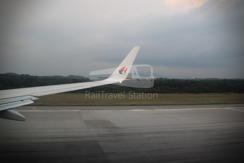 Malaysia Airlines MH607 KUL SIN 043