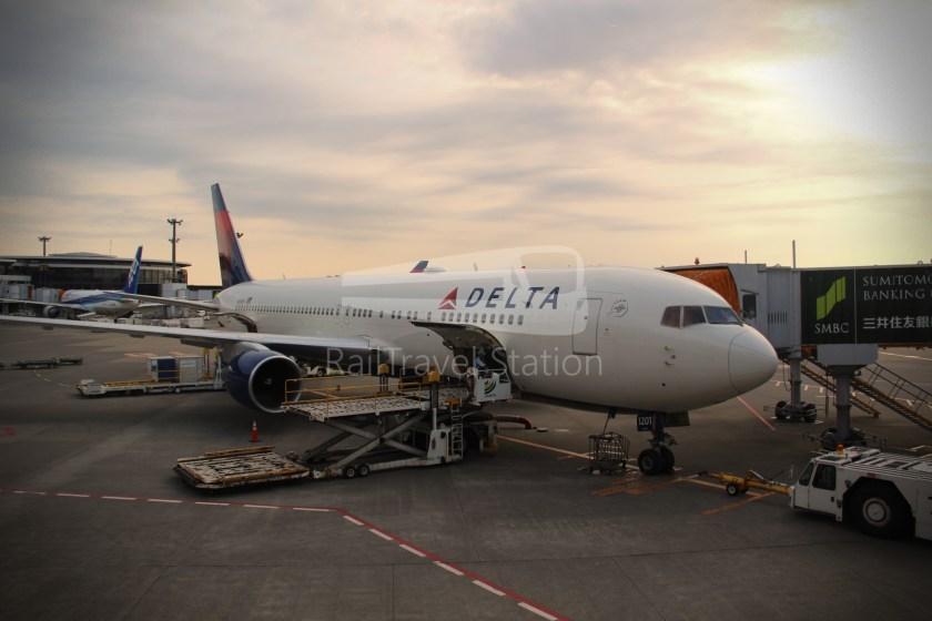 Delta DL169 NRT SIN 032