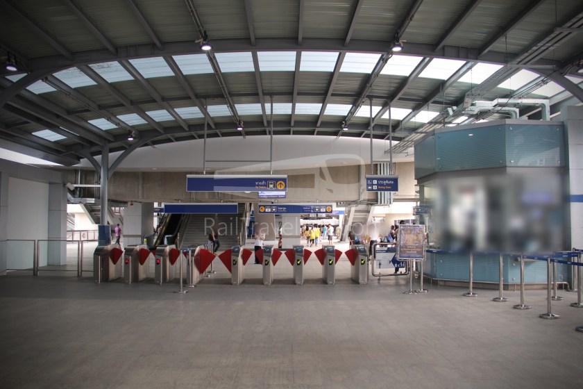 MRT Blue Line Hua Lamphong Tha Phra Extension 107