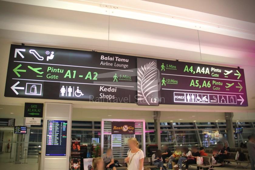 AirAsia AK1727 PEN SIN 009