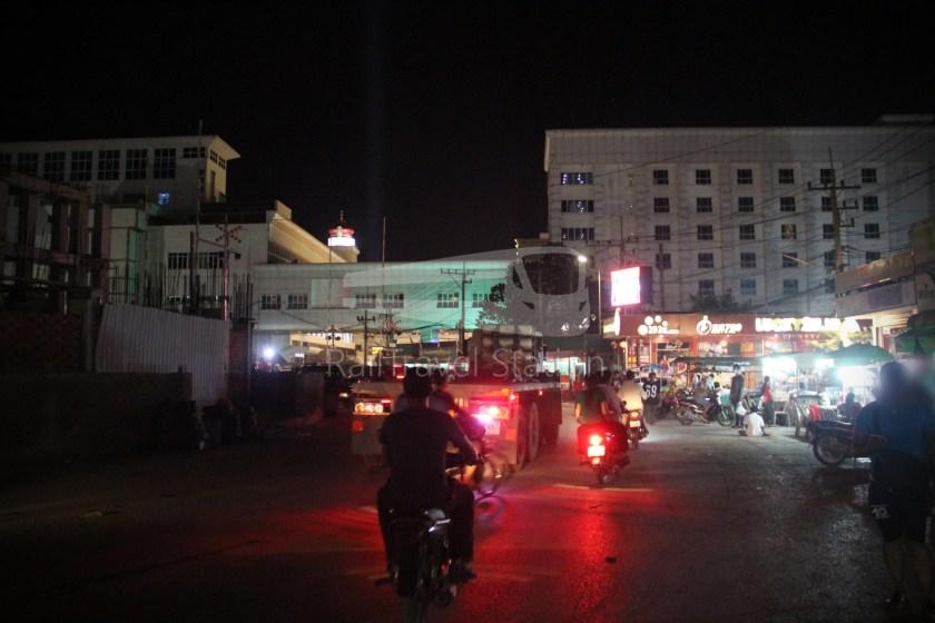 Poipet Ban Khlong Luk Walk 013