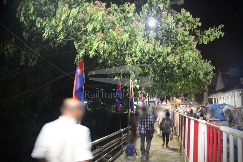 Poipet Ban Khlong Luk Walk 030