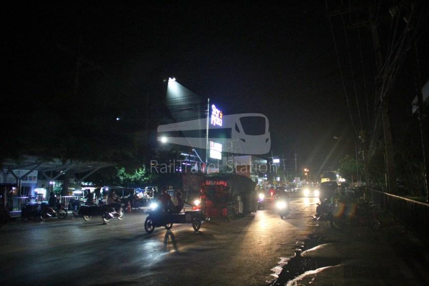 Poipet Ban Khlong Luk Walk 043