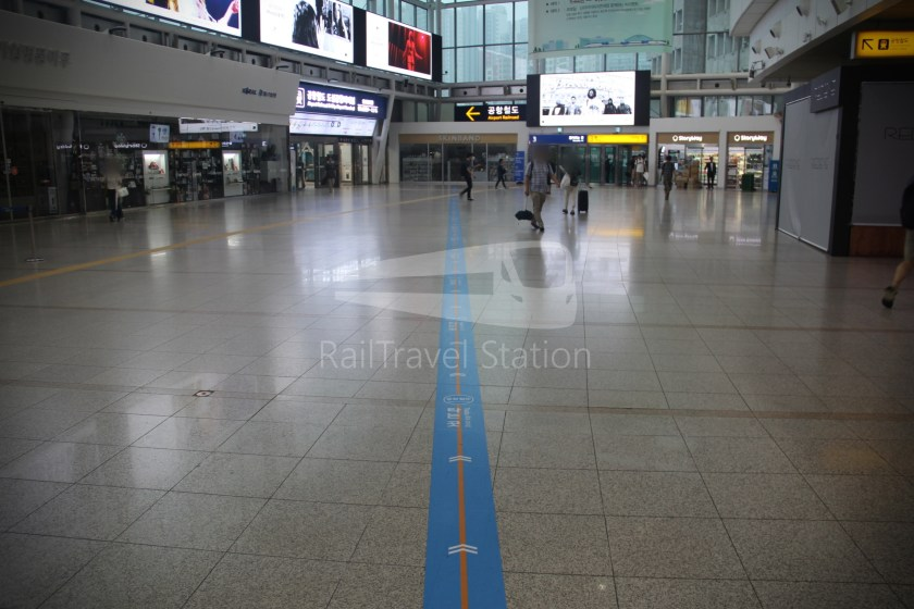 AREX Express Train Seoul Station Incheon International Airport Terminal 1 003