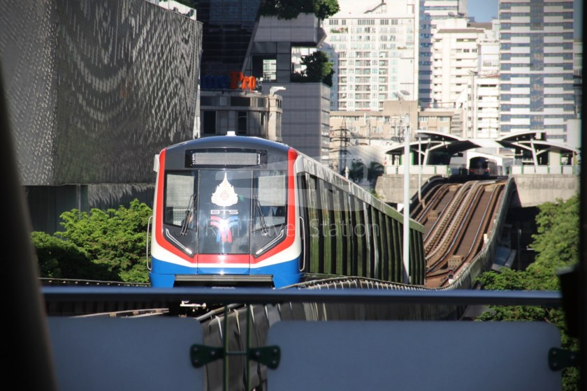 BTS Sukhumvit Line Chit Lom Phaya Thai Siemens Inspiro 001