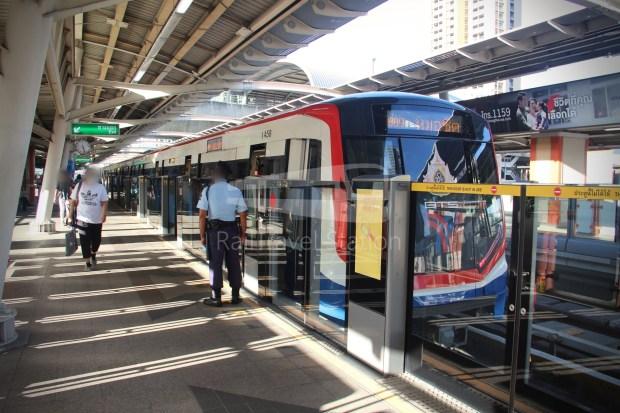 BTS Sukhumvit Line Chit Lom Phaya Thai Siemens Inspiro 010