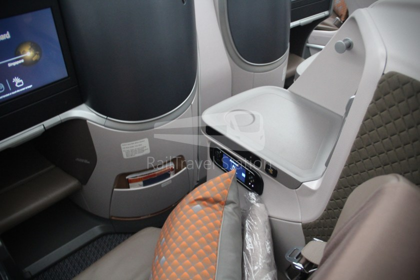 Singapore Airlines SQ983 BKK SIN 033