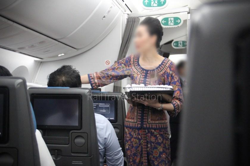 Singapore Airlines SQ983 BKK SIN 044