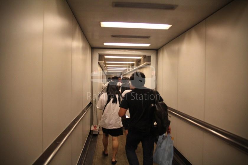 Singapore Airlines SQ983 BKK SIN 068