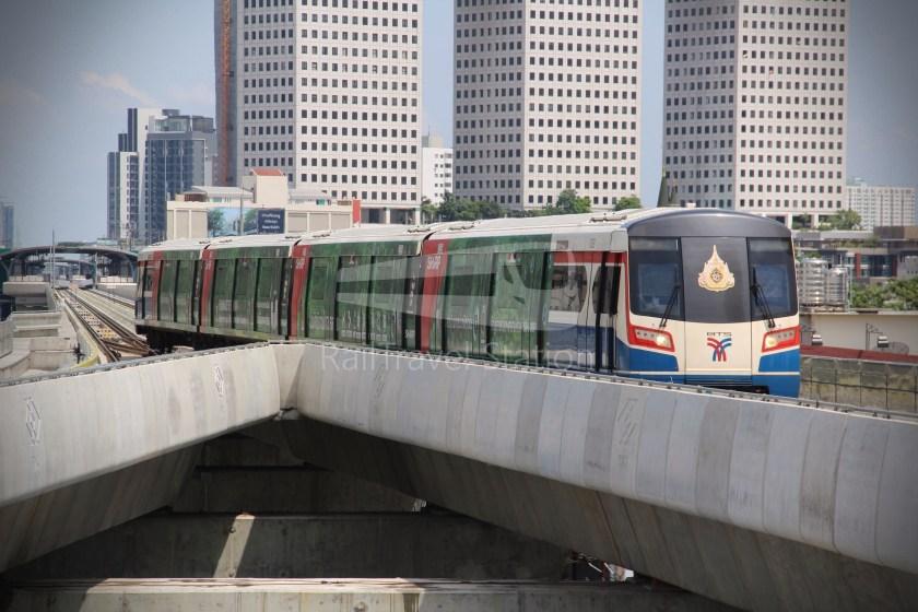 BTS Sukhumvit Line Ha Yaek Lat Phrao Extension 026