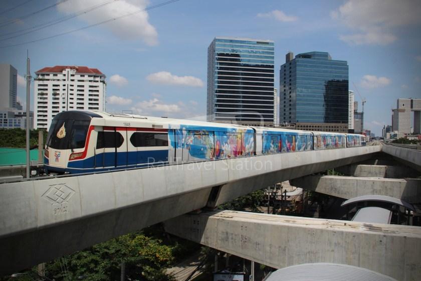 BTS Sukhumvit Line Ha Yaek Lat Phrao Extension 030